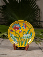 "Blue Pottery Decorative Plate in Wooden Box - Lotus (Yellow; 8"")"