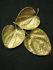Brass 3 Leaf Platter / Wall Plaque - Paan Leaf