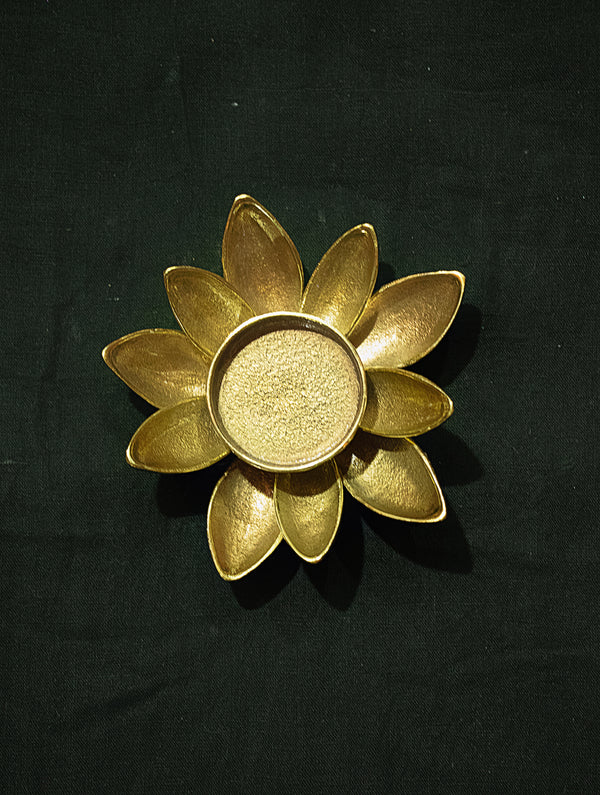 Brass Lotus Tealight Holder (Small) - The India Craft House