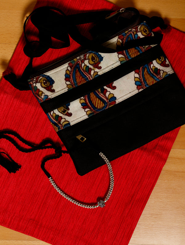 FOR HER - Maharashtra Beads Pendant Single String & 3 - Zip Crossfront Bag - Khand. - The India Craft House
