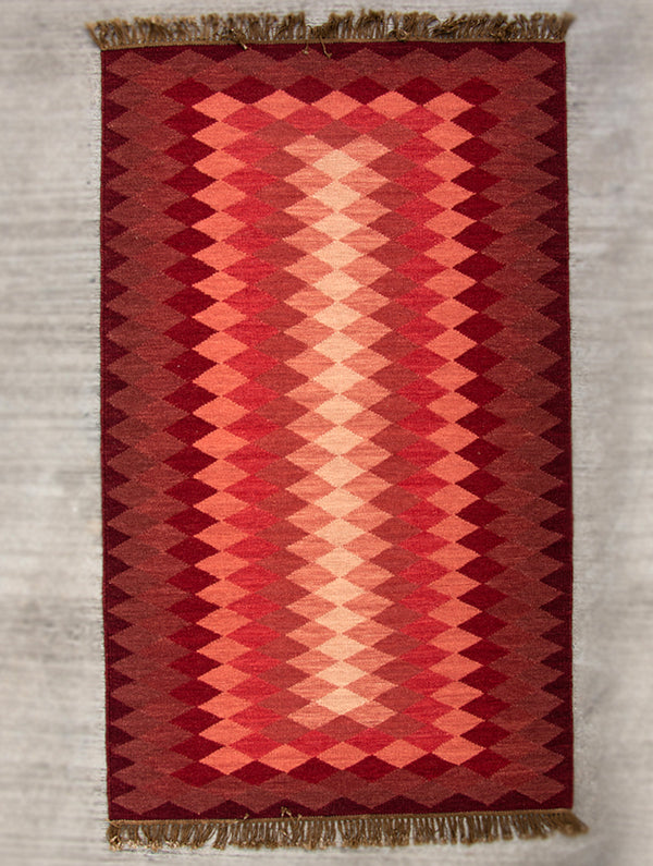 Handwoven Kilim Rug (6 x 4 ft) - Zigzags - The India Craft House