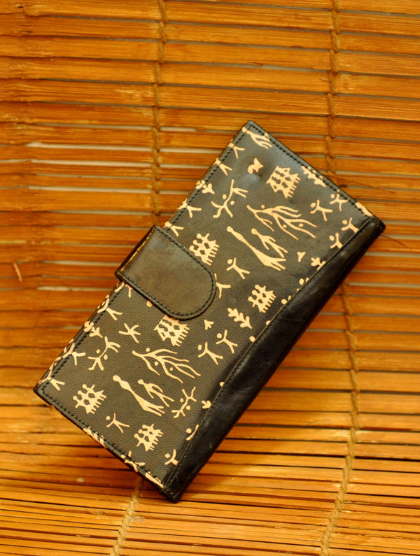 Embossed Leather - Wallet, Black & Beige Figurines - The India Craft House