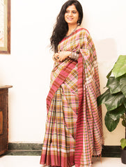 Ethnic Charm. Gamcha Kottan Checked Saree (With Blouse Piece)