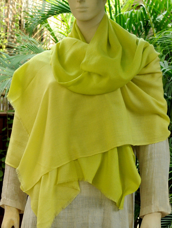 Fine, Soft Kashmiri Shaded Wool Stole, Lime Green to Pale Yellow - The India Craft House