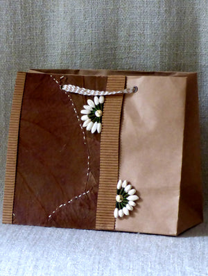 Leaf & Paper Gift Bag - The India Craft House
