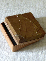 Leaf Square Medium Box