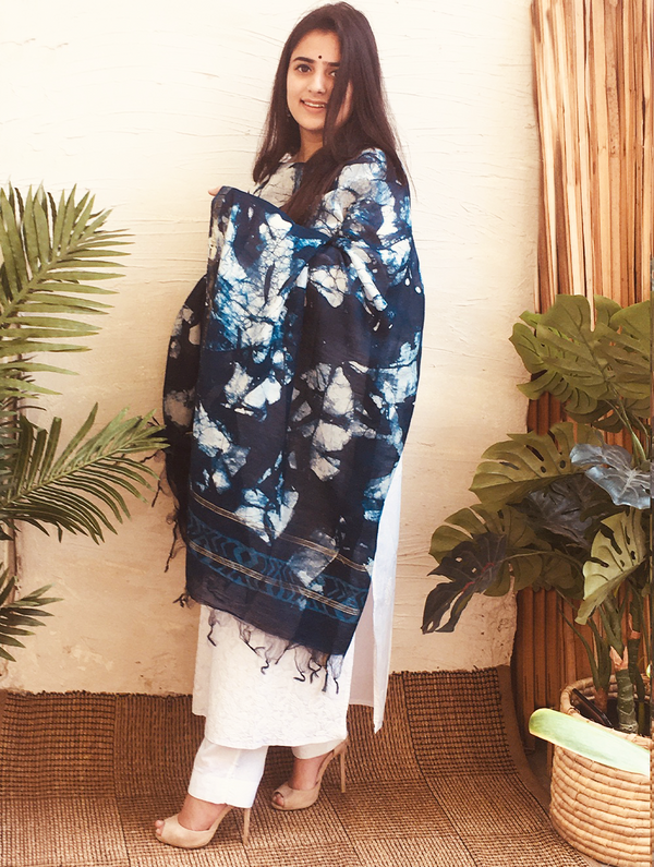 Light & Elegant Chanderi Batik Dupatta - Blue & White