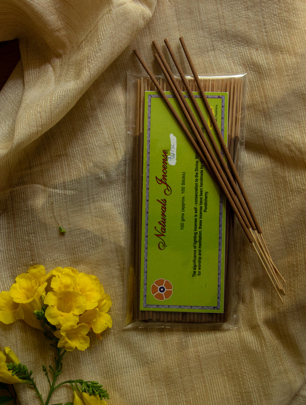 Natural Oils & Herbs Incense Sticks - Tulsi (100 sticks) - The India Craft House