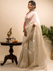 Stunning Dull White Munga Silk Saree (With Blouse Piece)