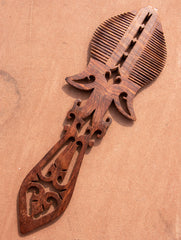 The Handcrafted  Mughal Era Ornate Wooden Comb (Large)