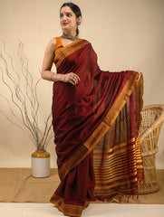 Traditional elegance. Fine Ilkal Cotton Saree - Warm Maroon Red