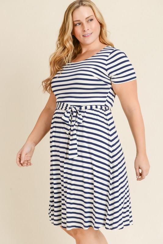 Curvy girl (plus size) navy striped dress