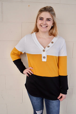 Mable's White, Mustard, & Black Top