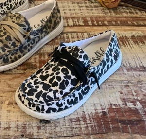 Black & White Spotted sneaker