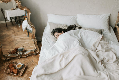 8 Things You Unconsciously Do In Your Sleep