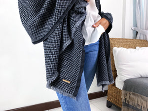 Travel Wrap | Grey/Black Herringbone
