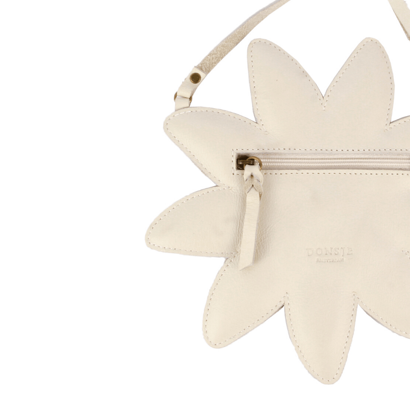 toto leather bag, daisy