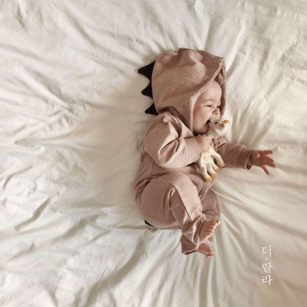 lala hooded tyranno romper in pink cotton