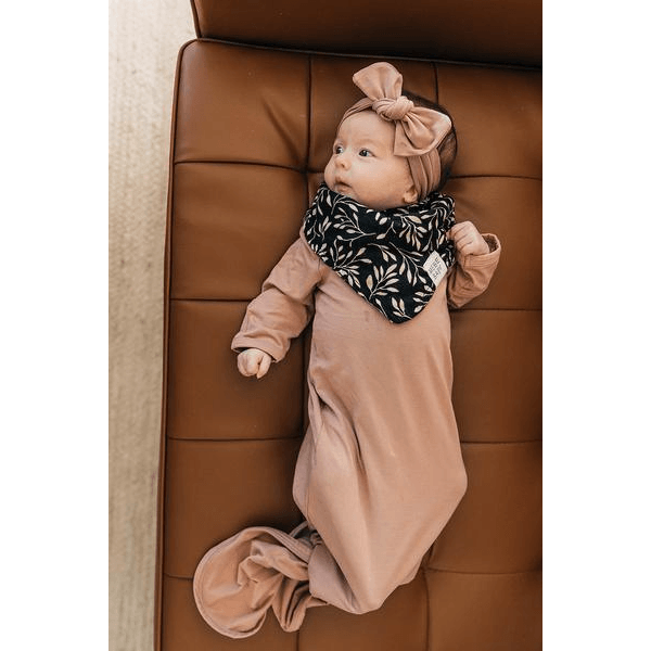 mebie babay knotted baby gown in dusty pink with matching head wrap