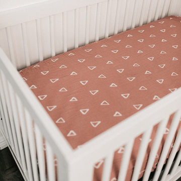 mebie baby blush triangle crib sheet