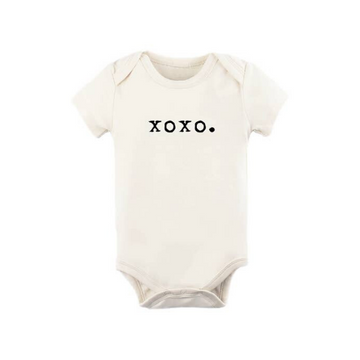 tenth and pine xoxo short sleeve bodysuit