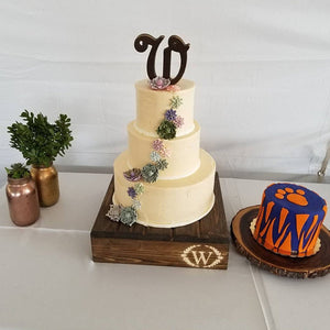 """T"" INITIAL cake stand, Wedding Cake Stand, Reclaimed wood cake stand,Personalized cake stand, Rustic Cake Stand, Country Wedding Decor"