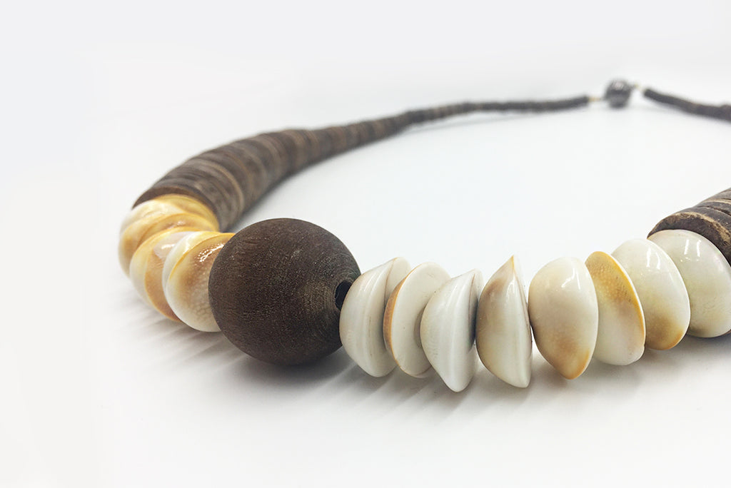 Necklace Wood Disc White Shell