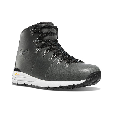 Danner Boots Mountain 600 camper gift guide
