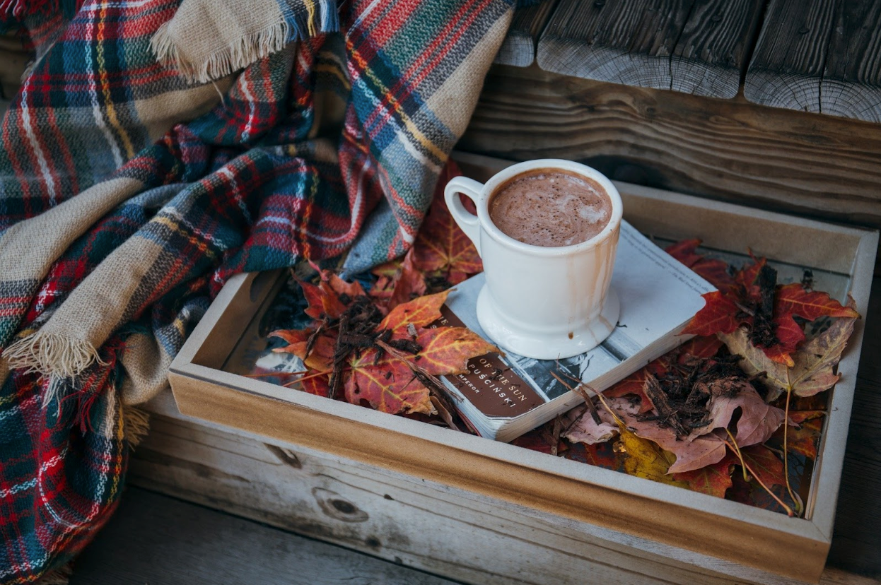 Winter Guide to Packing Drinks for A Camping Trip hot cocoa