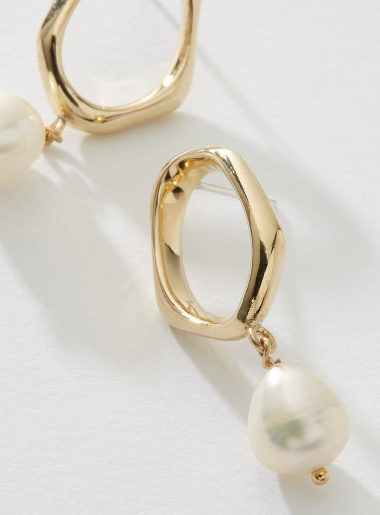 Hera earrings in Gold