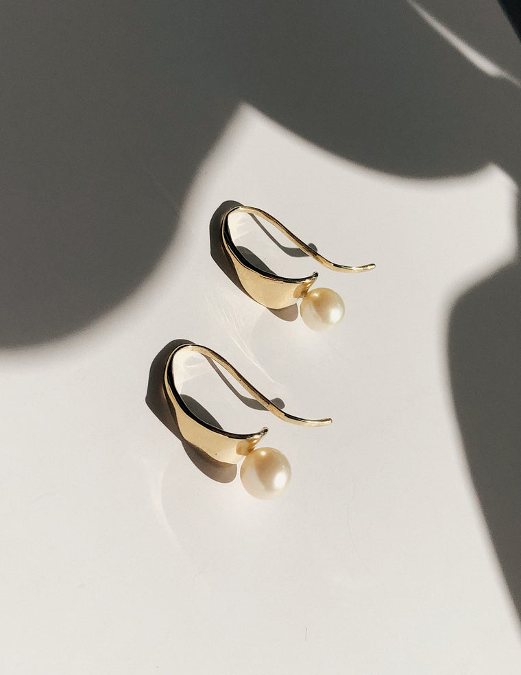 Luna Earrings in Gold