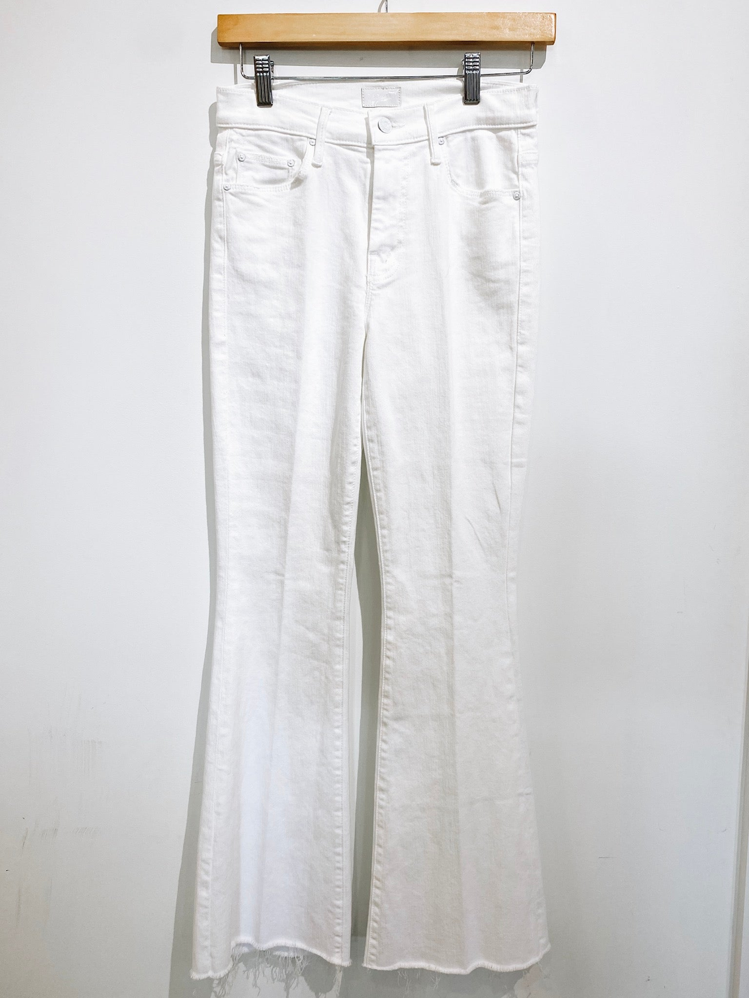 MOTHER The Weekend Fray White Denim