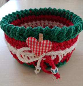 Christmas crochet basket round made out of 3mm rope