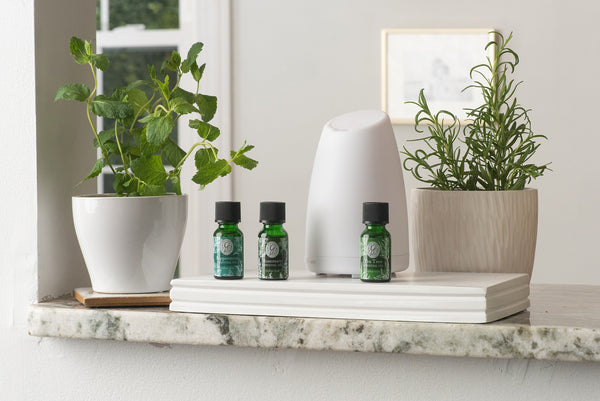 essential oils and water diffuser