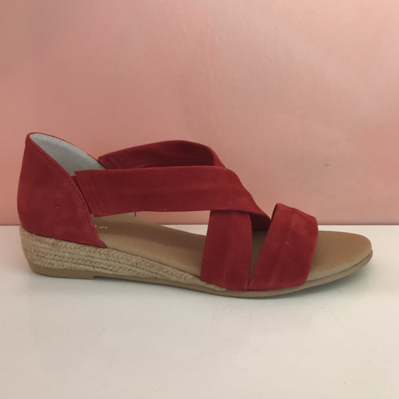 Flat Suede Sandals - Tiramisu Shoes