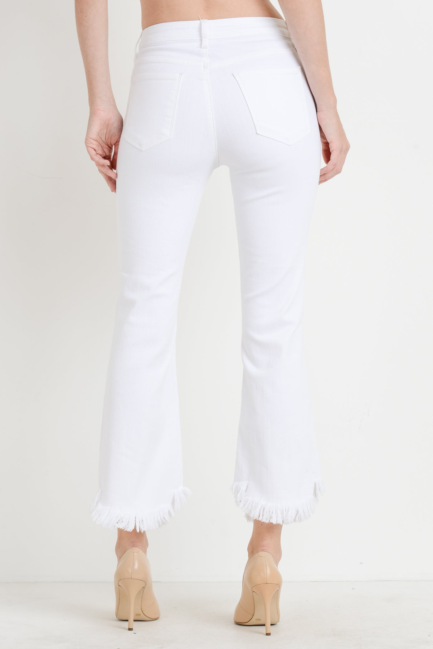 White High Rise Skinny Crop Jeans with Curve Frayed Hem