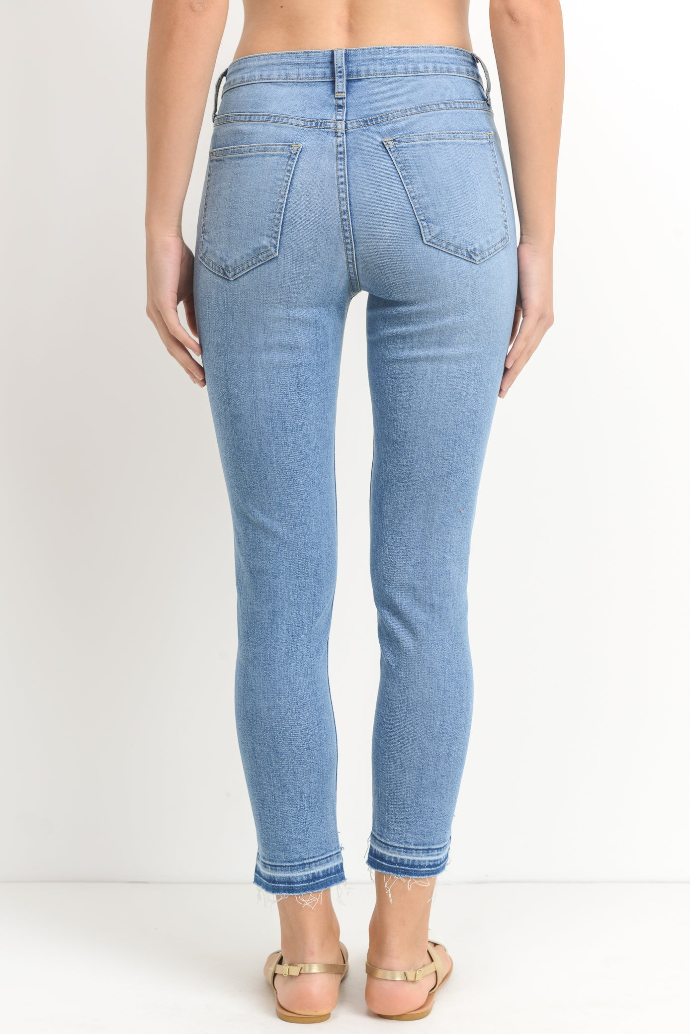 Skinny Released Step Frayed Hem Jeans