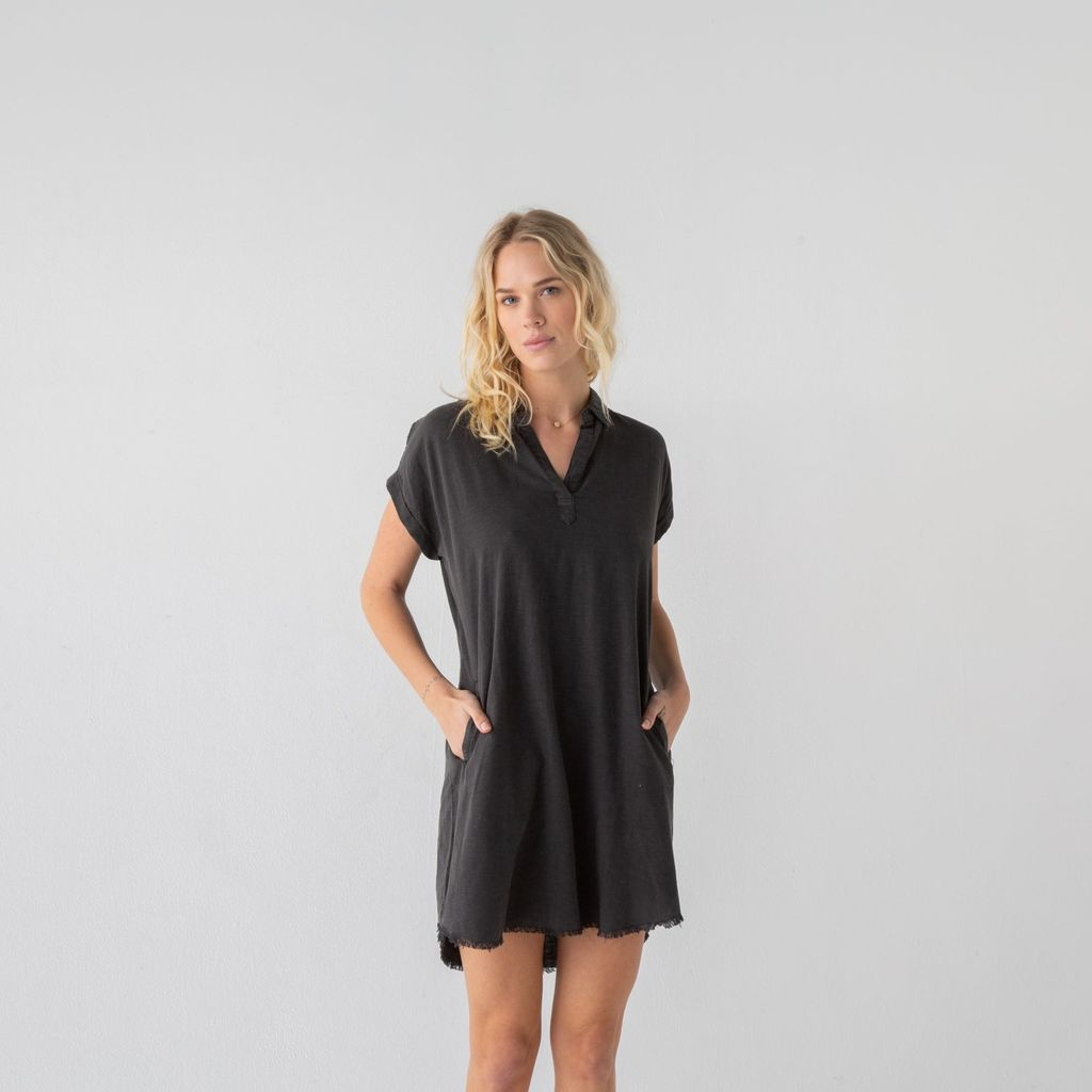 Short Sleeve Pullover Collared Dress