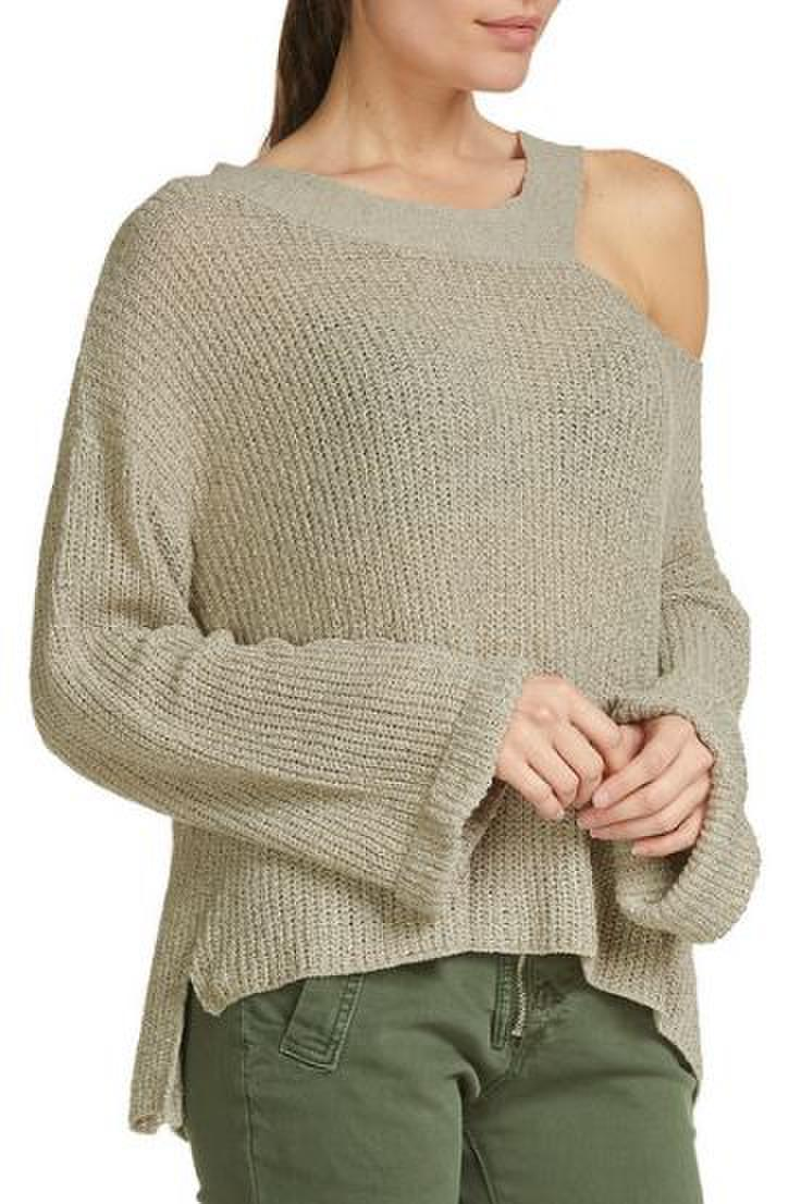 Sweater with Cold Shoulder