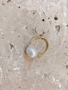 Mother Pearl Ring Gold