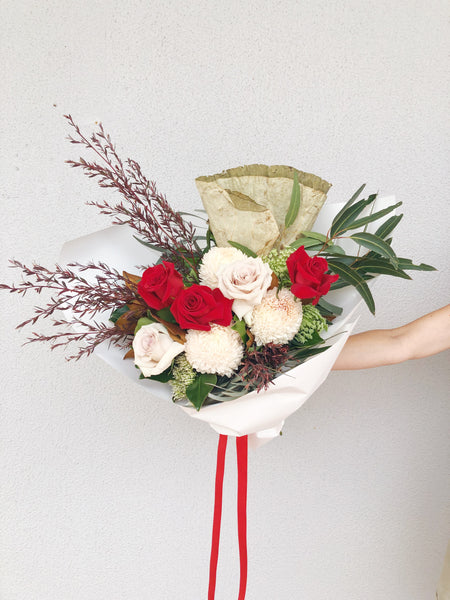 Valentines Bouquet Red Pink Roses delivery Buderim Sunshine Coast