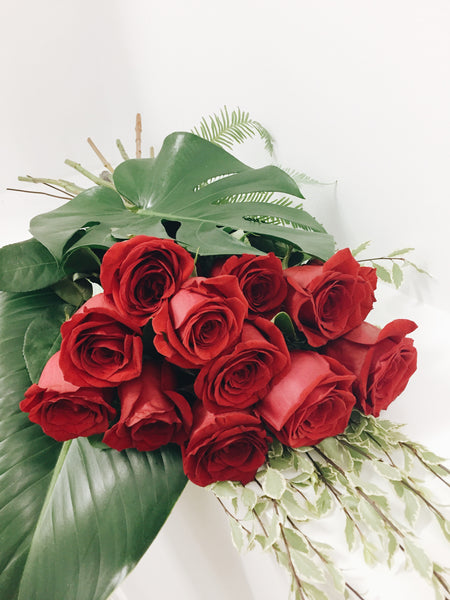 Valentines 12 red roses bouquet delivery Maroochydore