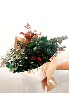 Christmas flowers deliver Coolum, Maroochydore, Noosa, Buderim