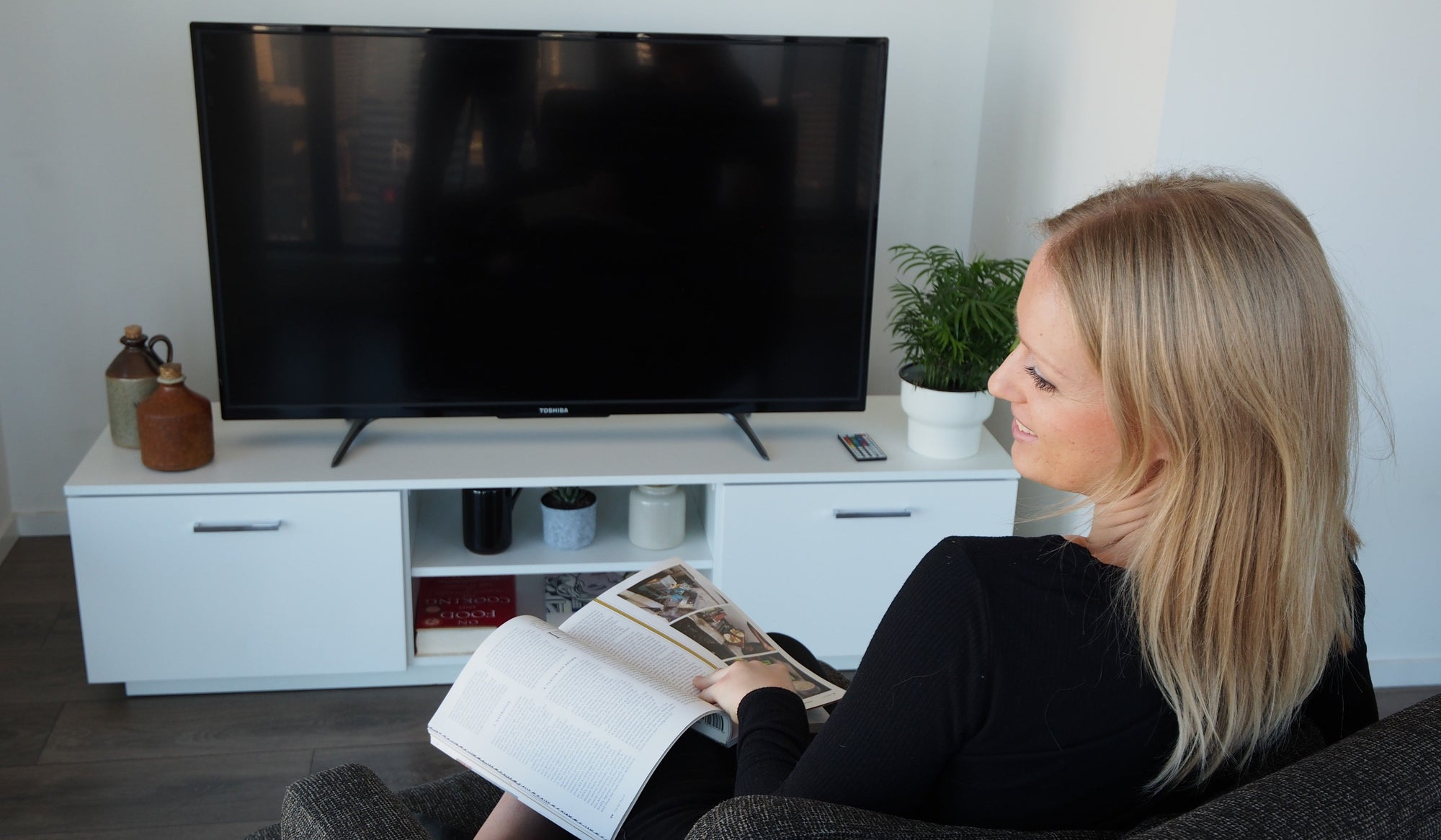 7 Tips for Finding the Right TV Stand for Your New Flat Screen