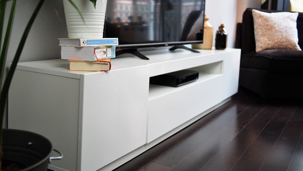 SAMSO TV STAND - WHITE FOR TVS UP TO 85""