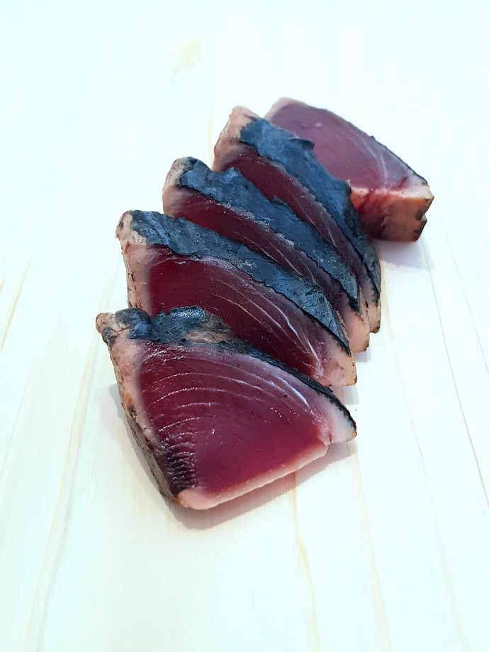 Sashimi Grade Japanese Katsuo Tataki (Lightly Flame Seared Skipjack Fillet) - Frozen 200-300g カツオのたたき 冷凍