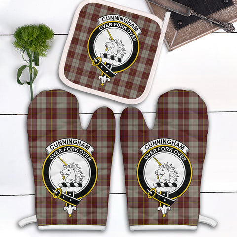 Cunningham Burgundy Dancers Clan Crest Tartan Scotland Oven Mitt And Pot-Holder (Set Of Two)