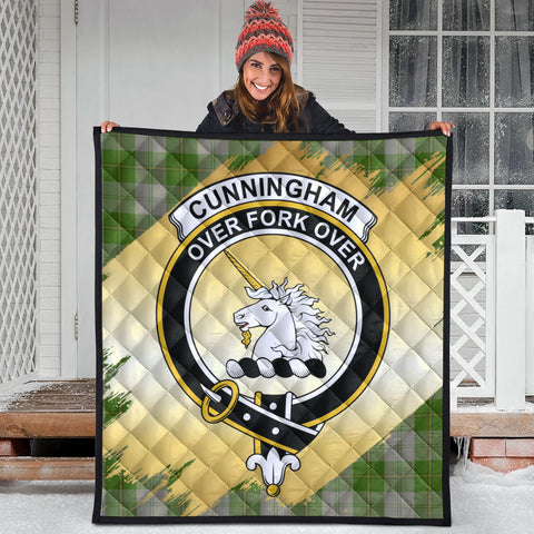 Image of Cunningham Dress Green Dancers Clan Crest Tartan Scotland Gold Royal Premium Quilt