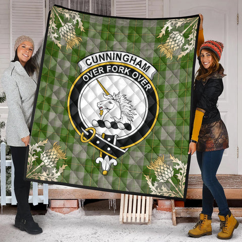 Cunningham Dress Green Dancers Clan Crest Tartan Scotland Thistle Gold Pattern Premium Quilt K9