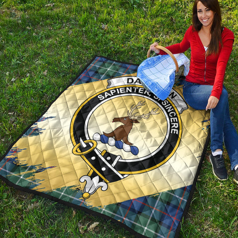 Davidson of Tulloch  Clan Crest Tartan Scotland Gold Royal Premium Quilt K9